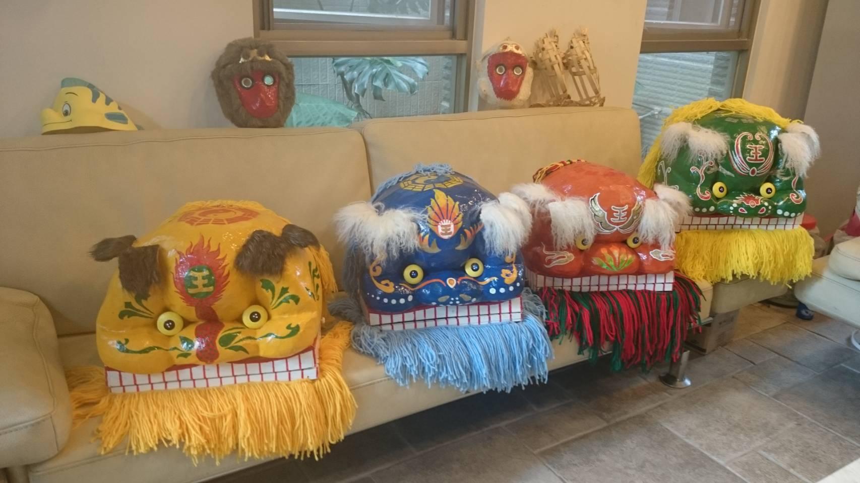 藝閣工坊創新獅頭,增加客家獅顏色吸引目光