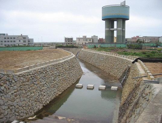小飯壢溪邊坡整治與高架水塔