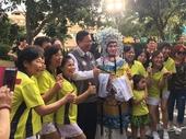 千人包水餃-市長與台灣唯一男乾旦合影