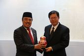印尼副總統特助H.M. Alwi Hamu與鄭市長