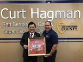 秘書處處長顏子局與聖貝納迪諾郡郡監督Curt Hagman