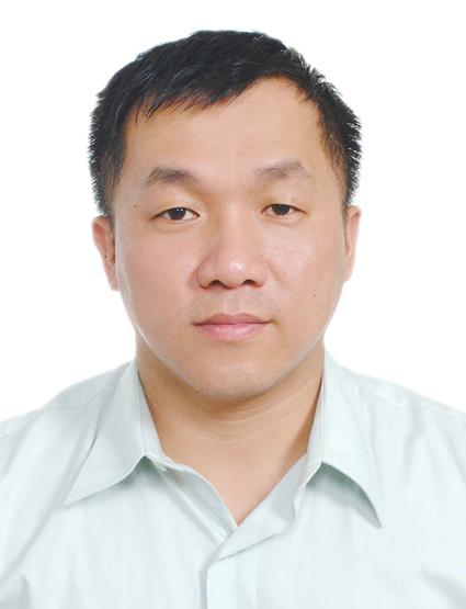 工程用地科科長陳慶仁