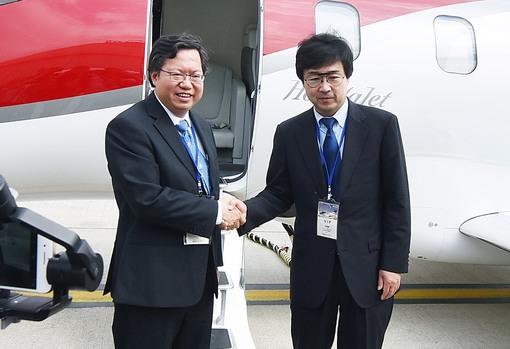 Honda私家商務機首度登場 鄭市長:舒適、安靜、迅速,是商務客機服務的優良選項之一
