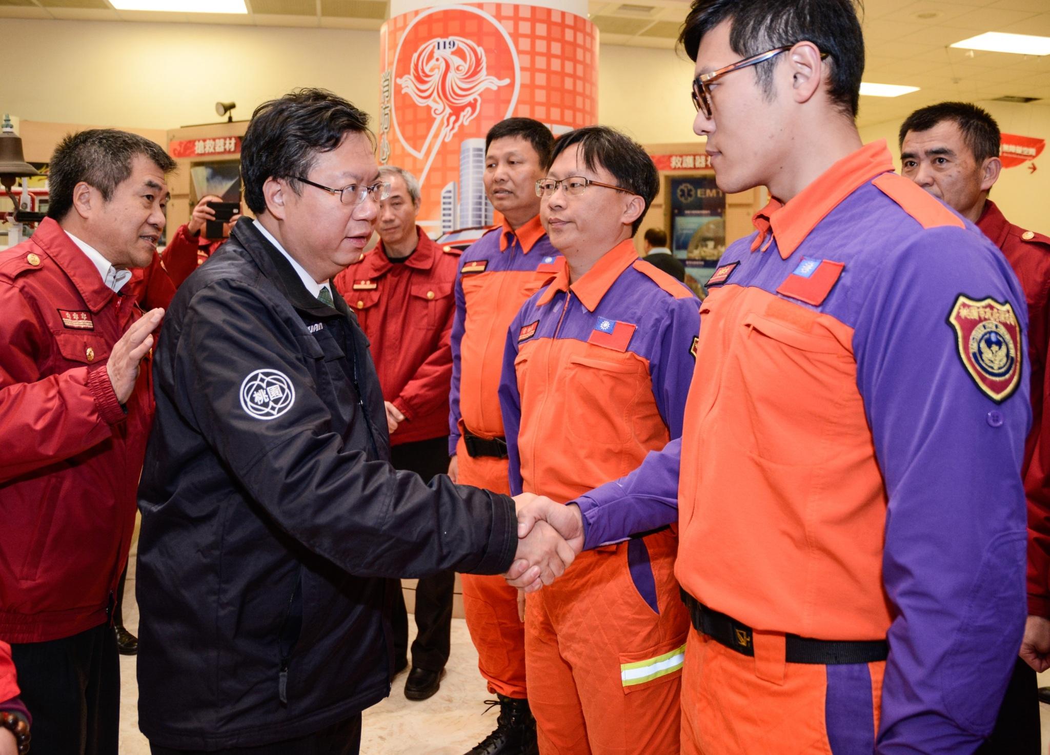 春節慰勞消防人員 鄭市長:全力讓每位消防同仁都能獲得最大的保障