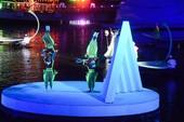 水上劇場的雜耍特技表演【另開新視窗】