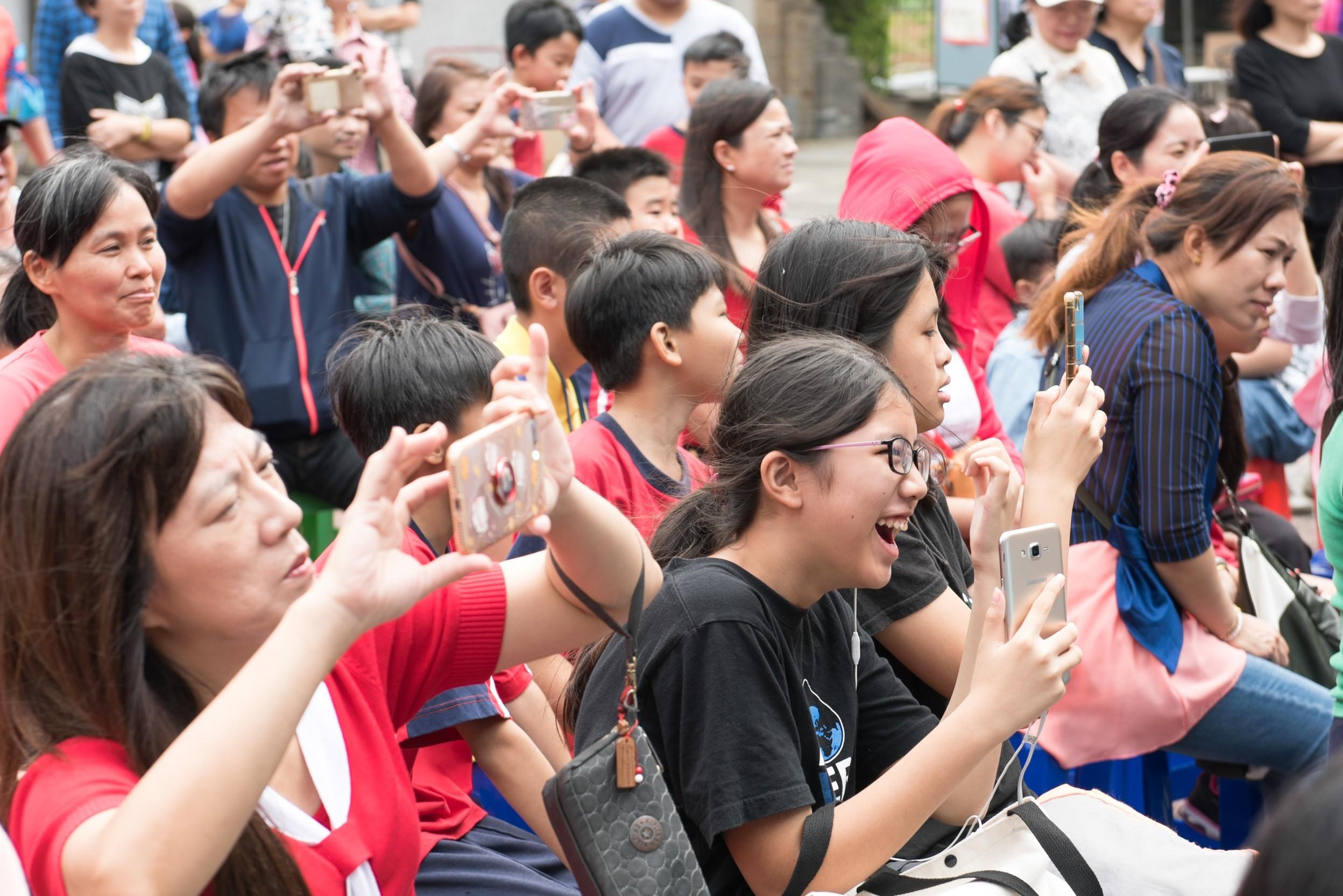 市民朋友踴躍參與園遊會活動