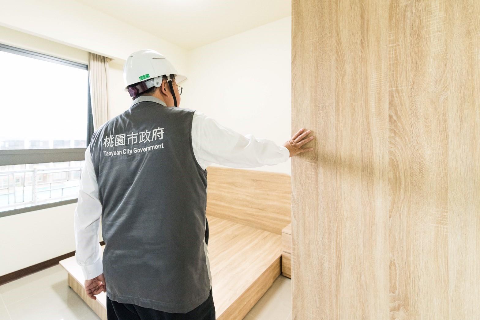 市長參觀中路二號社會住宅房型規劃