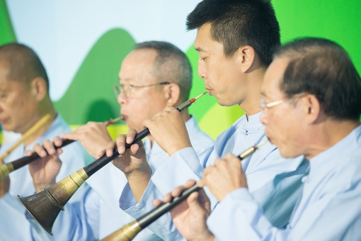 「和成八音團」在國際機場進行客家八音演奏【另開新視窗】