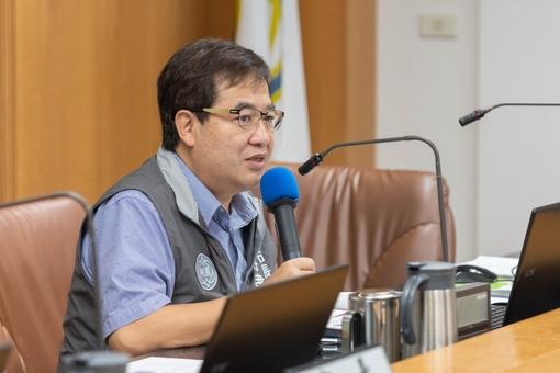 副市長致詞表示,竹圍漁港上架場興建計畫工程應如質如期完成,提供市民及漁民朋友更好的設施 【另開新視窗】