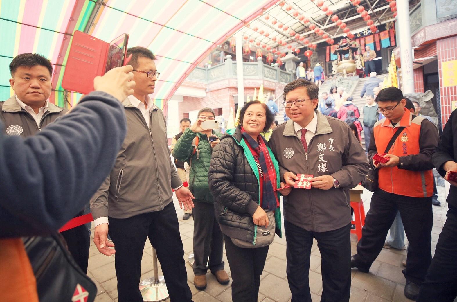 市長與市民朋友合影