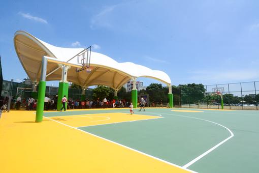新屋首座天幕籃球場啟用,全面改善運動設施使用機能