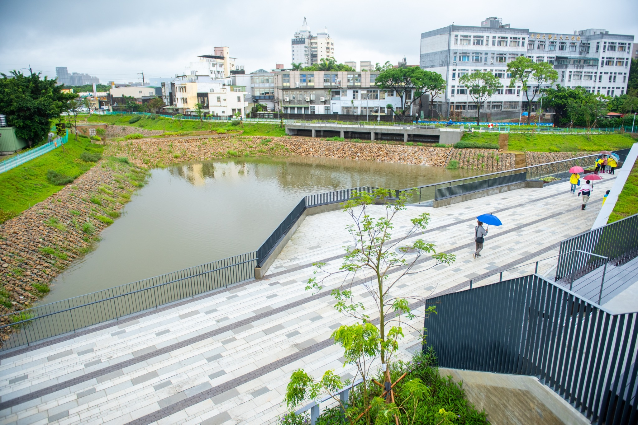 陪同內政部長視察14A滯洪池工程,透過智慧化水利工程解決淹水之苦