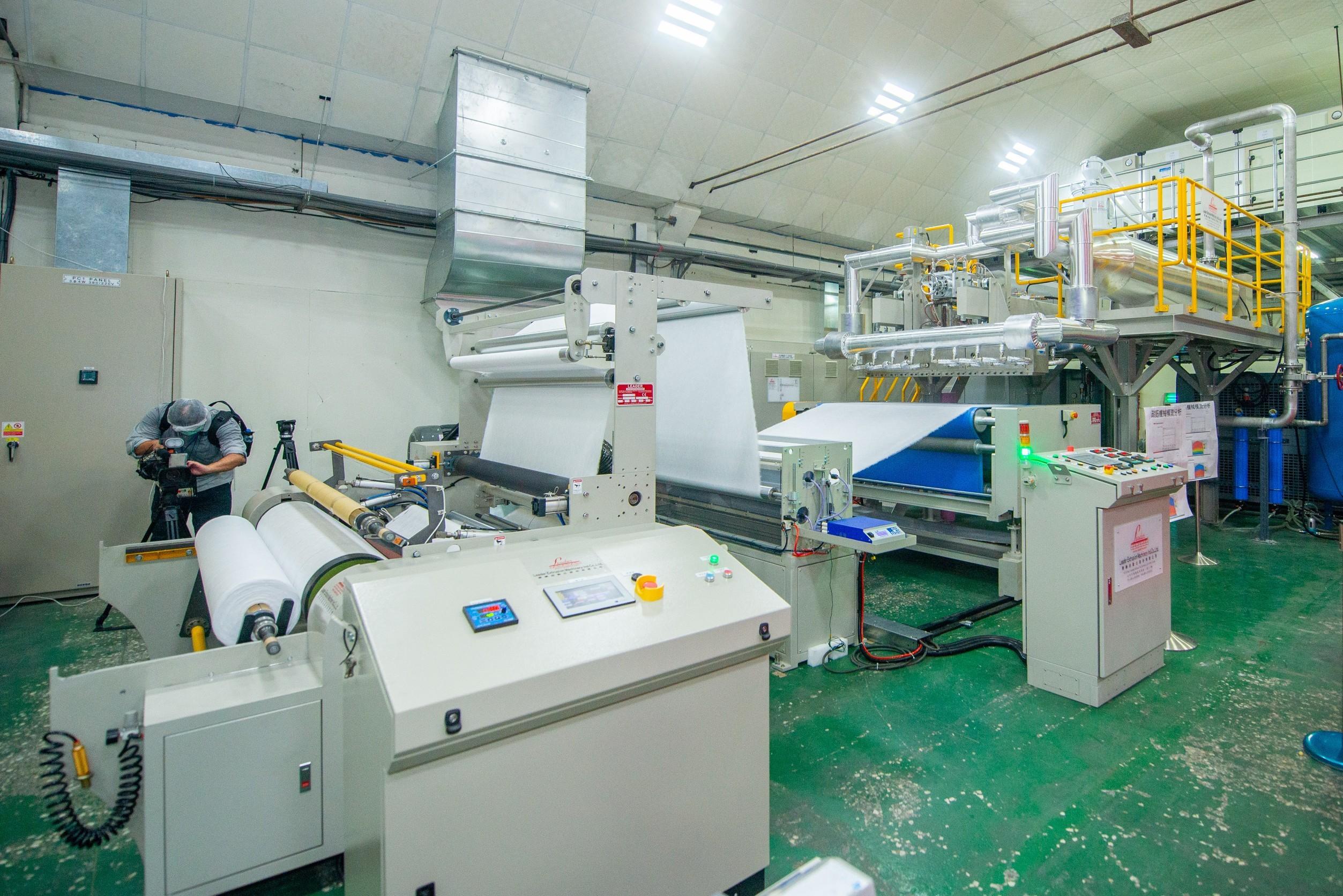 台灣首座100%國產自主防疫熔噴新產線啟用