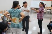 陳仁富說明如何將客語與大風吹、賓果、比手畫腳等課程變得活潑有趣!