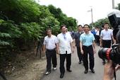 市長視察許厝港戰備道路海岸植樹地點