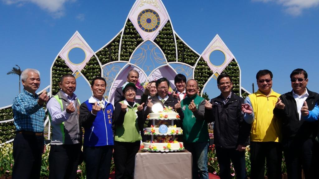 20180310-大園區-市長切蛋糕分給與會民眾