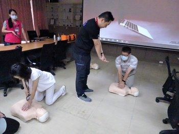 心肺復甦術(CPR)暨自動體外心臟電擊器(AED)教育訓練