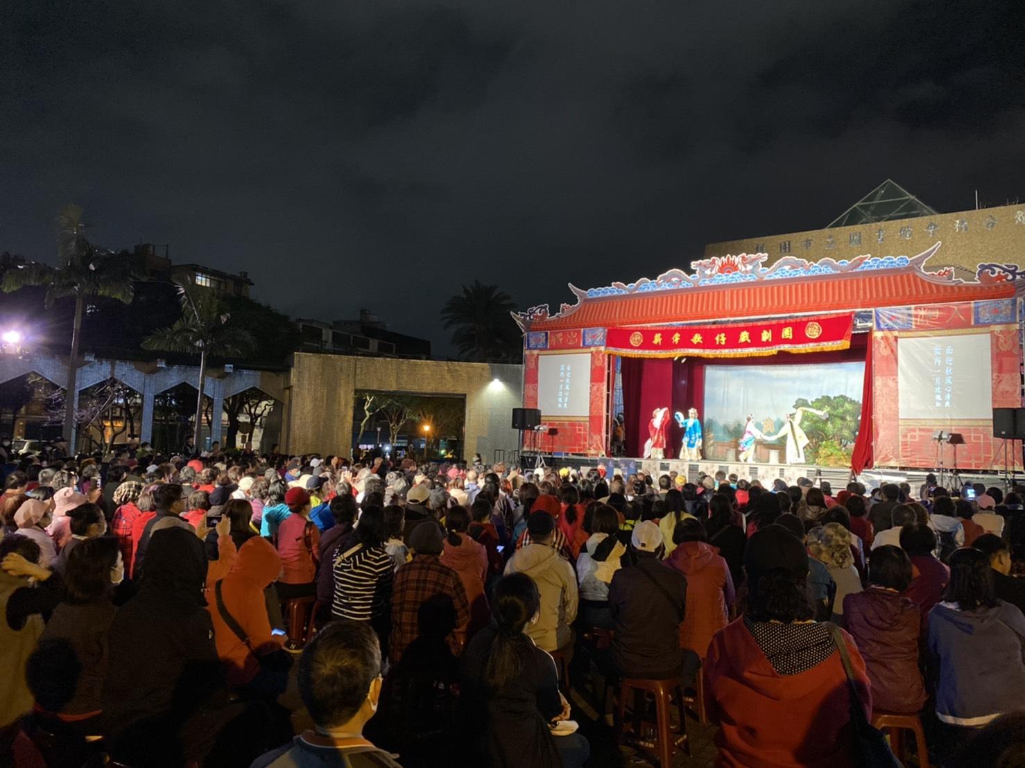 薪傳歌仔戲團是國內最優秀的歌仔戲團之一。